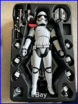 1/6 Hot Toys Star Wars The Force Awakens First Order Stormtrooper Officer Mms334