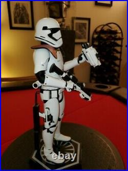 First Order Stormtrooper Officer Figure Hot Toys Star Wars 1/6 scale 1st MMS334