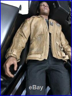 HOT TOYS Star Wars Finn & First Order Riot Control Stormtrooper Set MMS346
