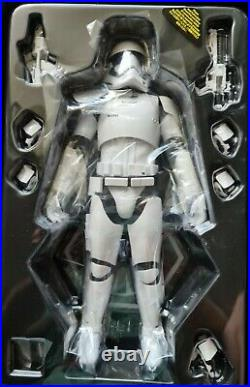 Hot Toys 1/6 Star Wars First Order Stormtrooper Squad Leader MMS316