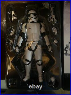Hot Toys 1st ORDER STORMTROOPER MMS317 Used