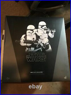 Hot Toys FIRST ORDER STORMTROOPERS Set 1/6 Scale MMS319 (READ DESCRIPTION)