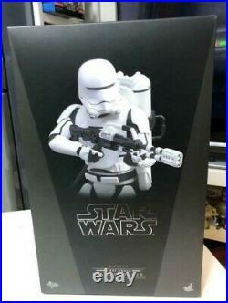 Hot Toys MMS 326 Star Wars Force Awakens First Order Flametrooper Figure