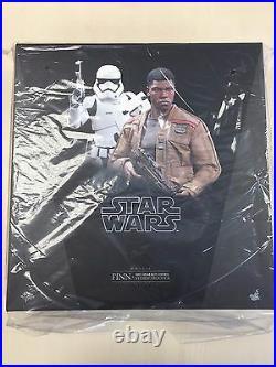 Hot Toys MMS 346 Star Wars Finn & First Order Riot Control Stormtrooper Set NEW