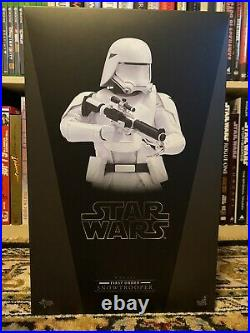 Hot Toys MMS321 Star Wars Ep 7 The Force Awakens First Order Snowtrooper 1/6