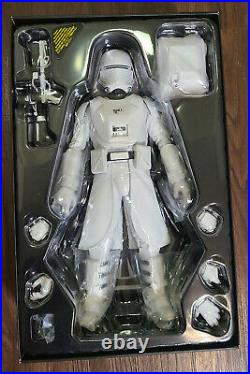Hot Toys Star Wars First Order Snowtrooper MMS321 1/6th Scale Figure