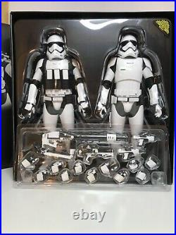 Hot Toys Star Wars First Order Stromtroopers 1/6 Scale 12 Action Figure Set