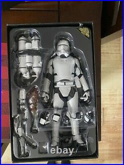 Hot Toys Star Wars The Force Awakens FIRST ORDER FLAMETROOPER Figure 1/6 Scale