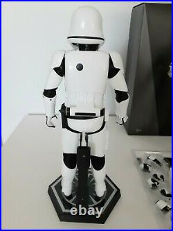 Hot Toys Star Wars The Force Awakens First Order Stormtroopers 1/6 Scale Figures