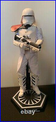 Hot toys star wars 1/6 scale First Order Snow Trooper