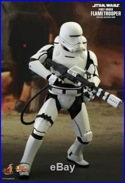 STAR WARS First Order Flametrooper 1/6th Scale Action Figure MMS326 (Hot Toys)