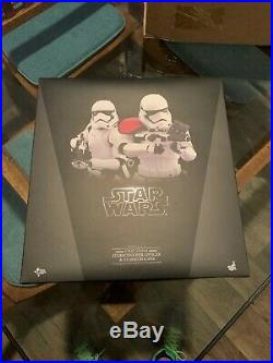 Star Wars Episode VII Hot Toys MMS335 First Order Stormtrooper And Officer Set