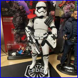 Star Wars Force Awakening First Order Hot Toys Snow Trooper figure Officer USED