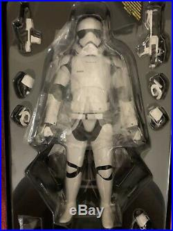 Star Wars Hot Toys First Order Stormtrooper MMS317 16 Figure The Force Awakens