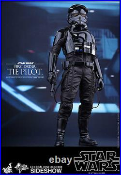 TIE Fighter Pilot First Order Sixth Scale Figure 1/ 6 Sideshow / Hot Toys